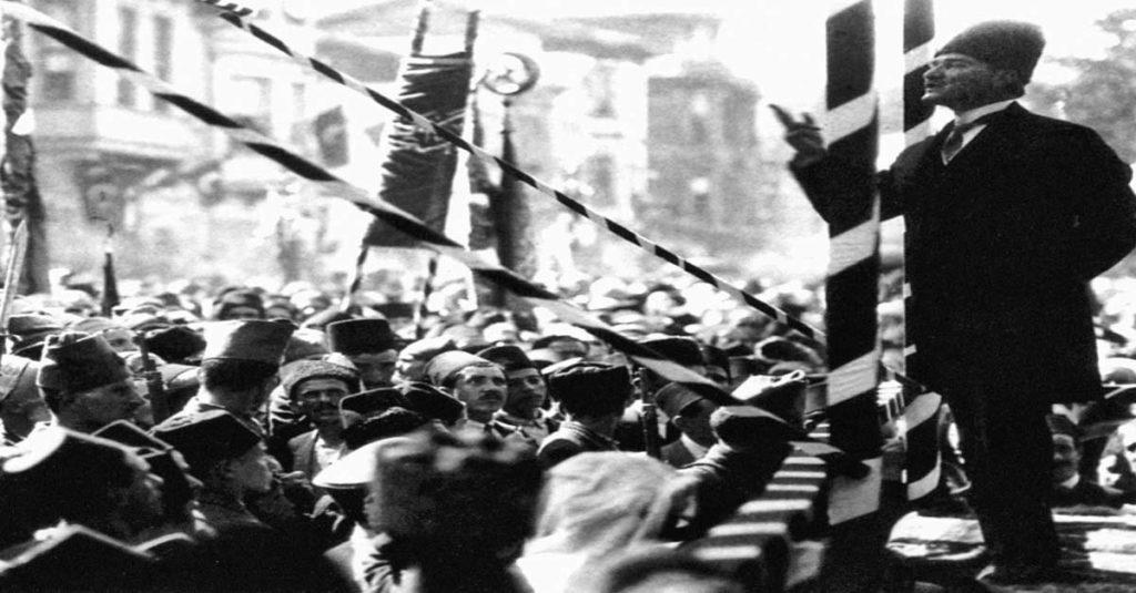 Atatürk'ten Etkili Konuşma ve Hitabet Örnekleri