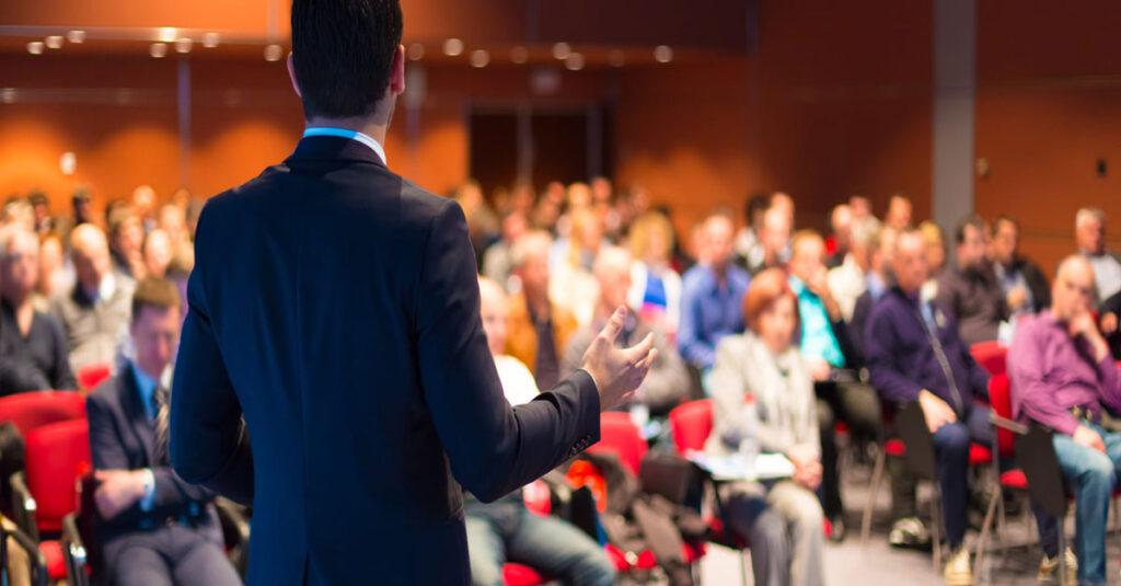 Konuşmacıların Dinleyicileri Memnun Etmek için Yaptıkları Hatalar