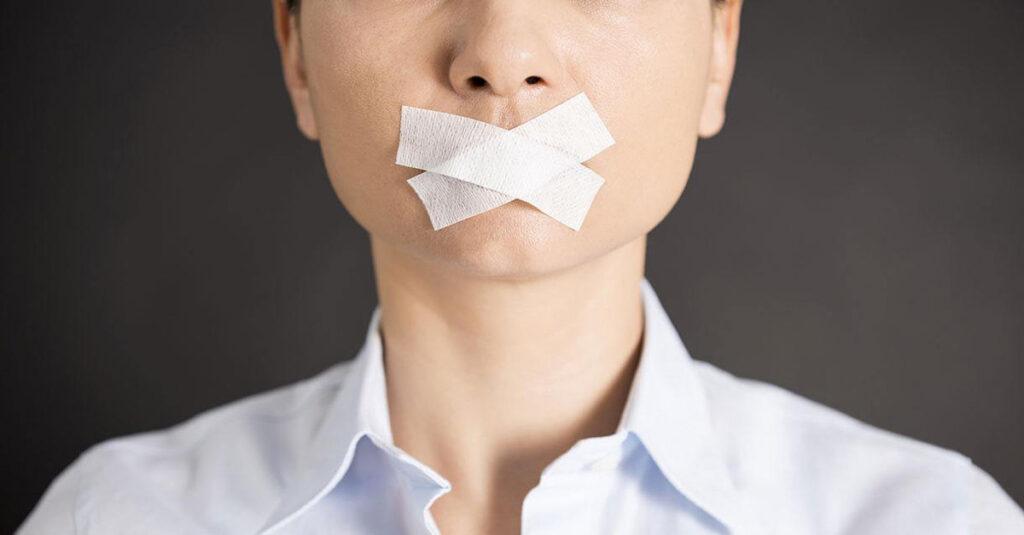 Topluluk Önünde Konuşma Korkusunu Pratikle Yenin